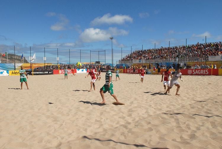 e4615bcd19 Futebol de Praia. Craques elogiaram Campo da Praia do Ouro