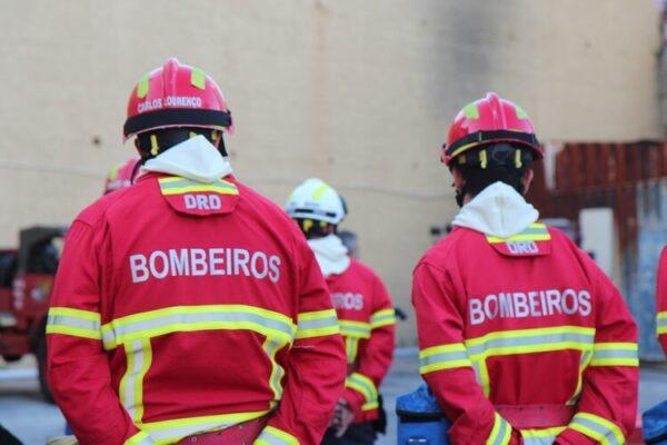 Apoio extraordinário aos Bombeiros Voluntários de Sesimbra